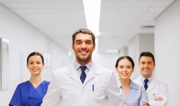 الفريق الطبي